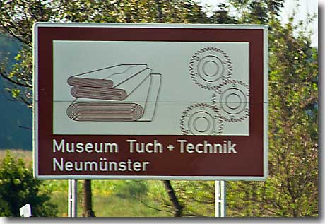 autobahnschild museum tuch und technik. Black Bedroom Furniture Sets. Home Design Ideas